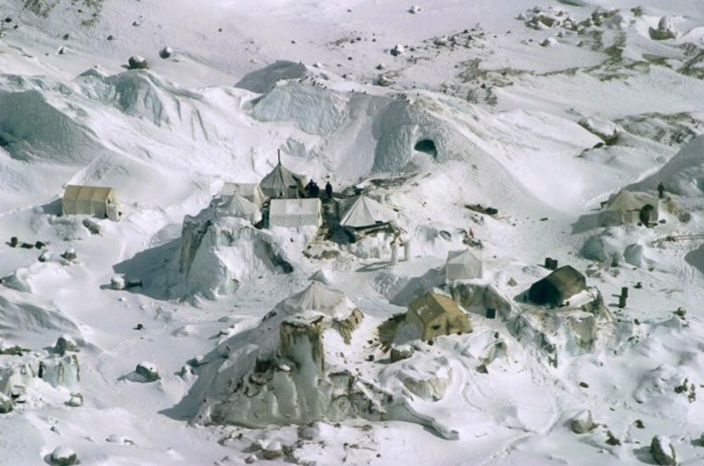База индийской армии на леднике Сиачен.jpg